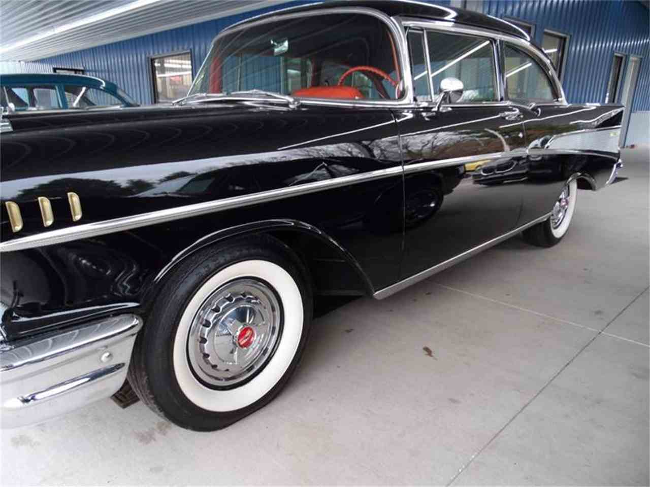 Large Picture of '57 Bel Air - MHE0