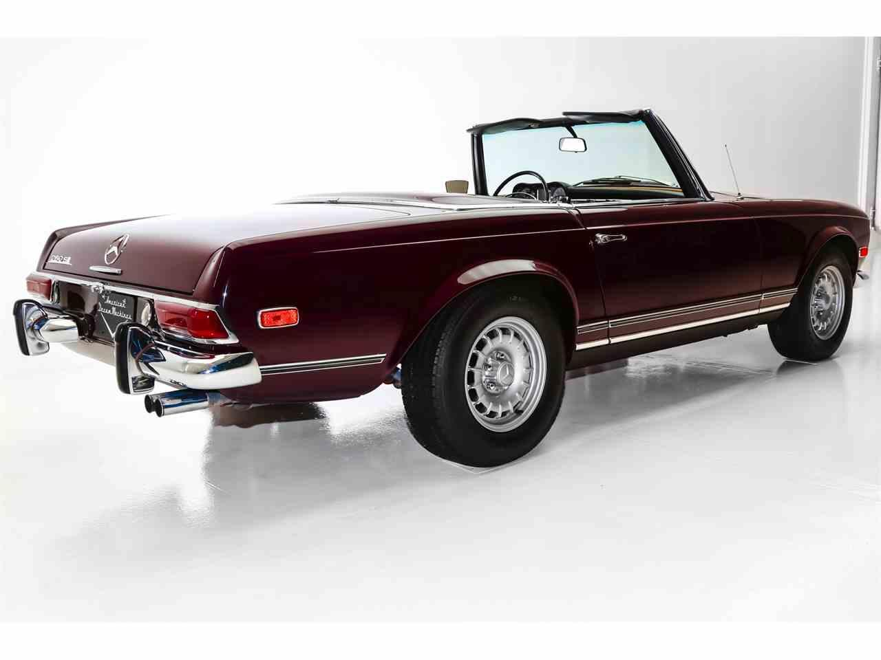 Large Picture of Classic 1969 280SL located in Charleston South Carolina - MHE9
