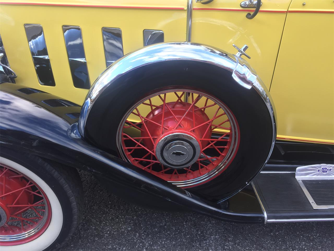 Large Picture of '32 Chevrolet Roadster located in Ontario - $64,000.00 - MHG0