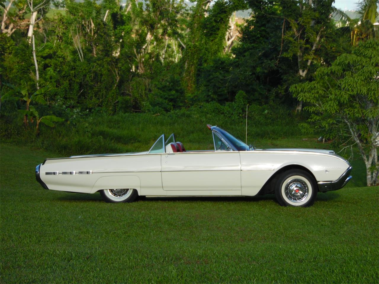 Large Picture of Classic '62 Thunderbird - $55,000.00 Offered by a Private Seller - MHQG