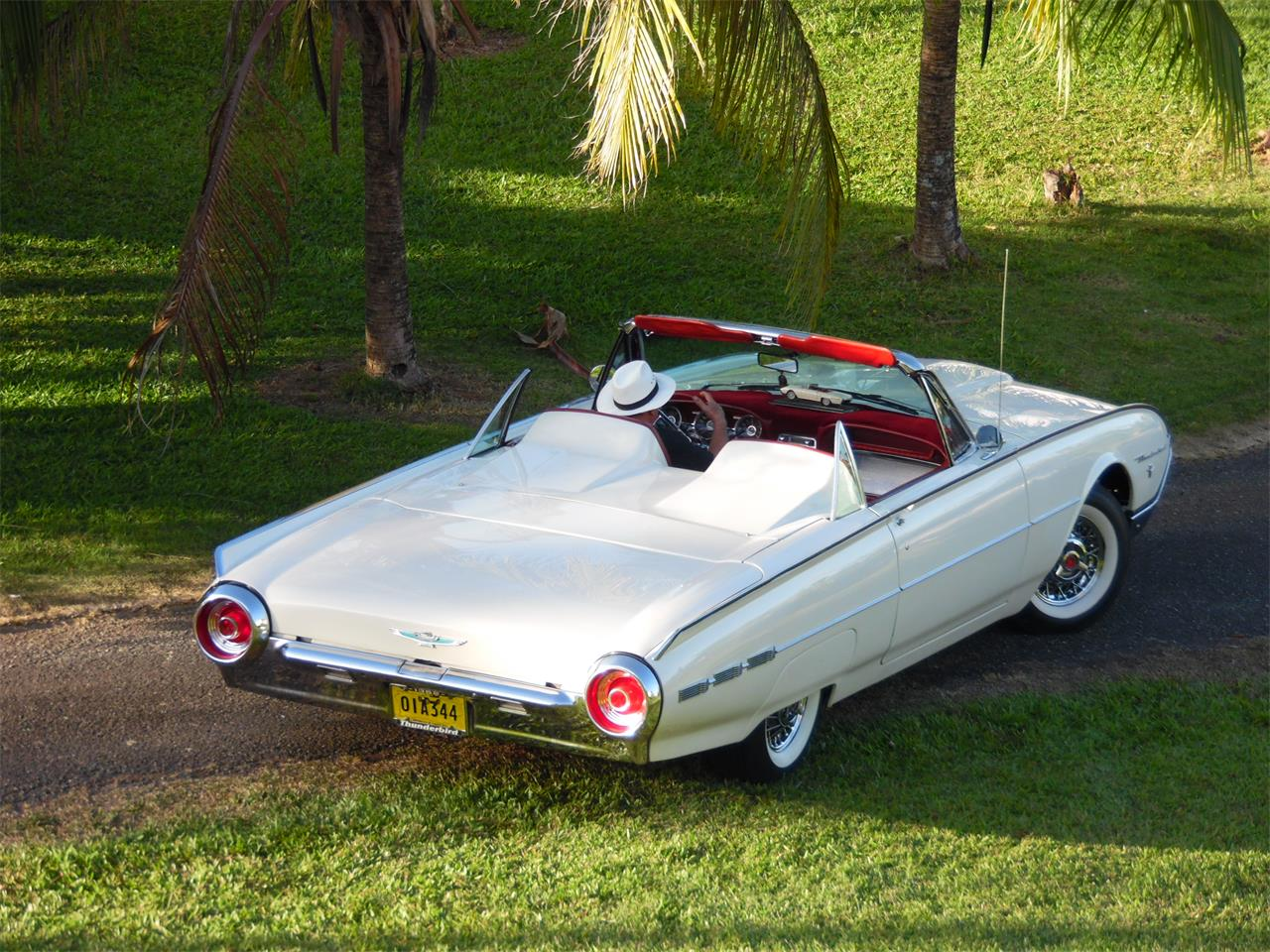 Large Picture of Classic '62 Ford Thunderbird located in Puerto Rico - $55,000.00 - MHQG