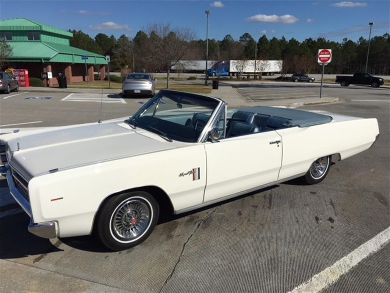 Large Picture of 1967 Plymouth Sport Fury located in Tennessee Offered by a Private Seller - MHTG