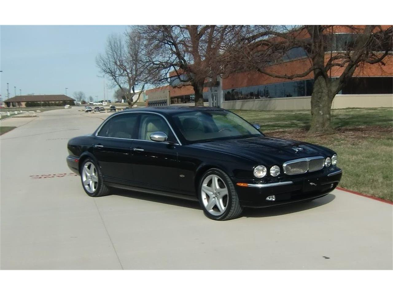 Large Picture of '08 XJ8 - MHVG