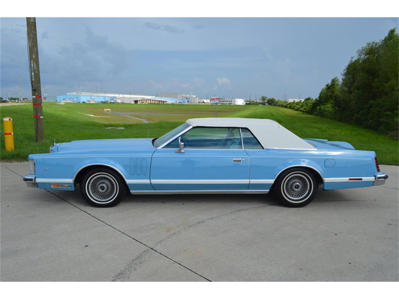 Large Picture of '78 Lincoln Mark V located in Houston Texas - $12,500.00 Offered by Frank's Car Barn - MJRO