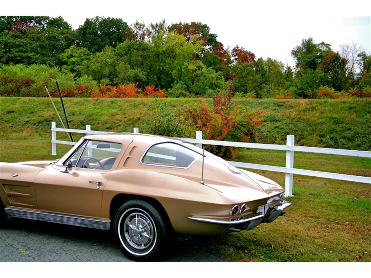 Large Picture of Classic '63 Chevrolet Corvette located in Old Forge Pennsylvania - MK1L