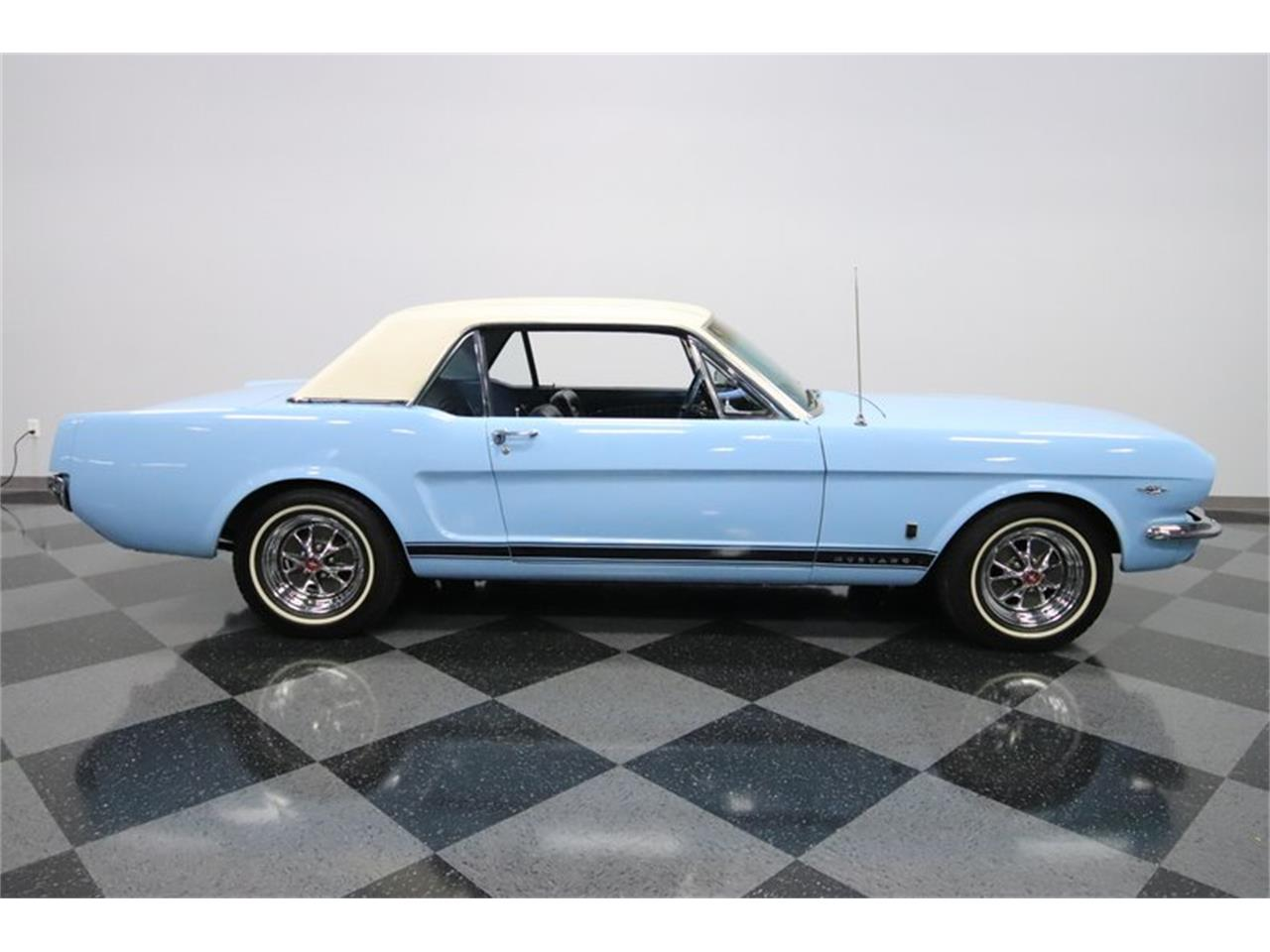 Large Picture of Classic 1965 Ford Mustang GT - MI7M