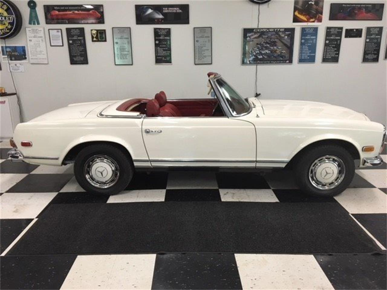 Large Picture of '70 280SL Offered by GAA Classic Cars Auctions - MKVK