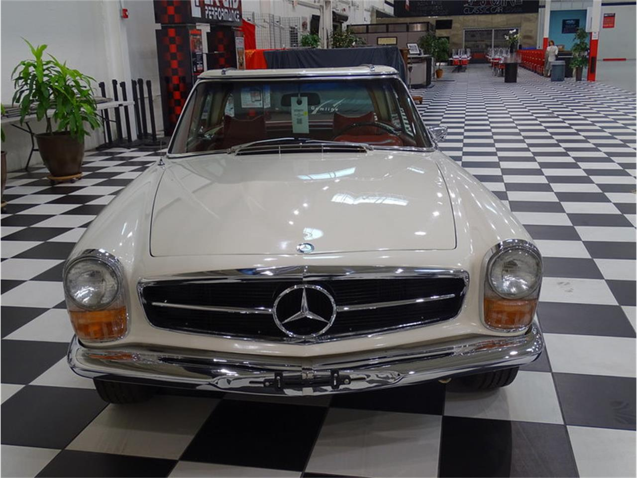 Large Picture of 1970 Mercedes-Benz 280SL Offered by GAA Classic Cars Auctions - MKVK