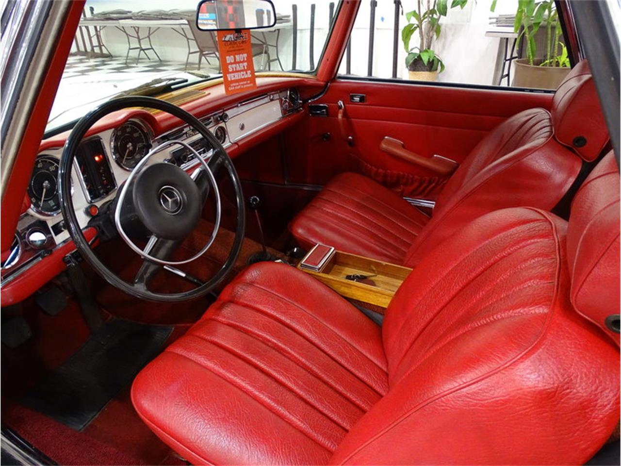 Large Picture of Classic 1970 280SL Auction Vehicle - MKVK