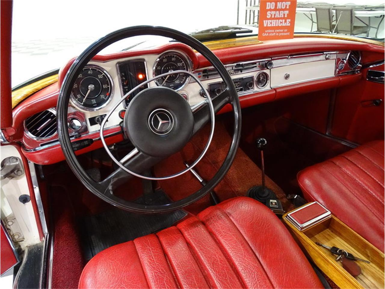 Large Picture of 1970 Mercedes-Benz 280SL located in North Carolina Offered by GAA Classic Cars Auctions - MKVK