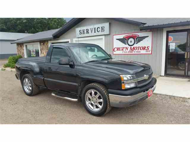 Picture of 2004 Chevrolet Silverado located in Iowa Auction Vehicle - MKW1