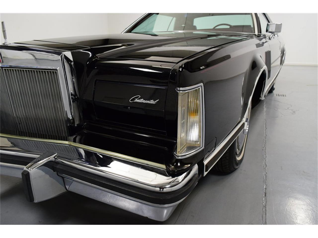 Large Picture of 1978 Continental Mark V - MLKC
