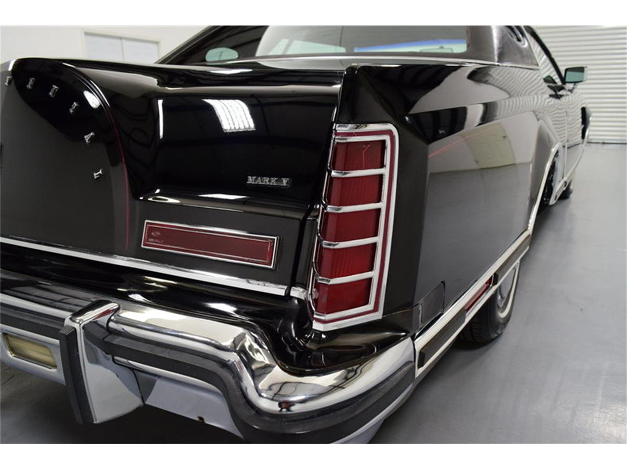 Large Picture of '78 Lincoln Continental Mark V located in North Carolina - $11,995.00 Offered by Shelton Classics & Performance - MLKC
