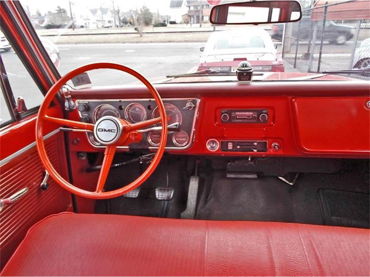 Large Picture of Classic 1968 GMC Suburban - MLLH