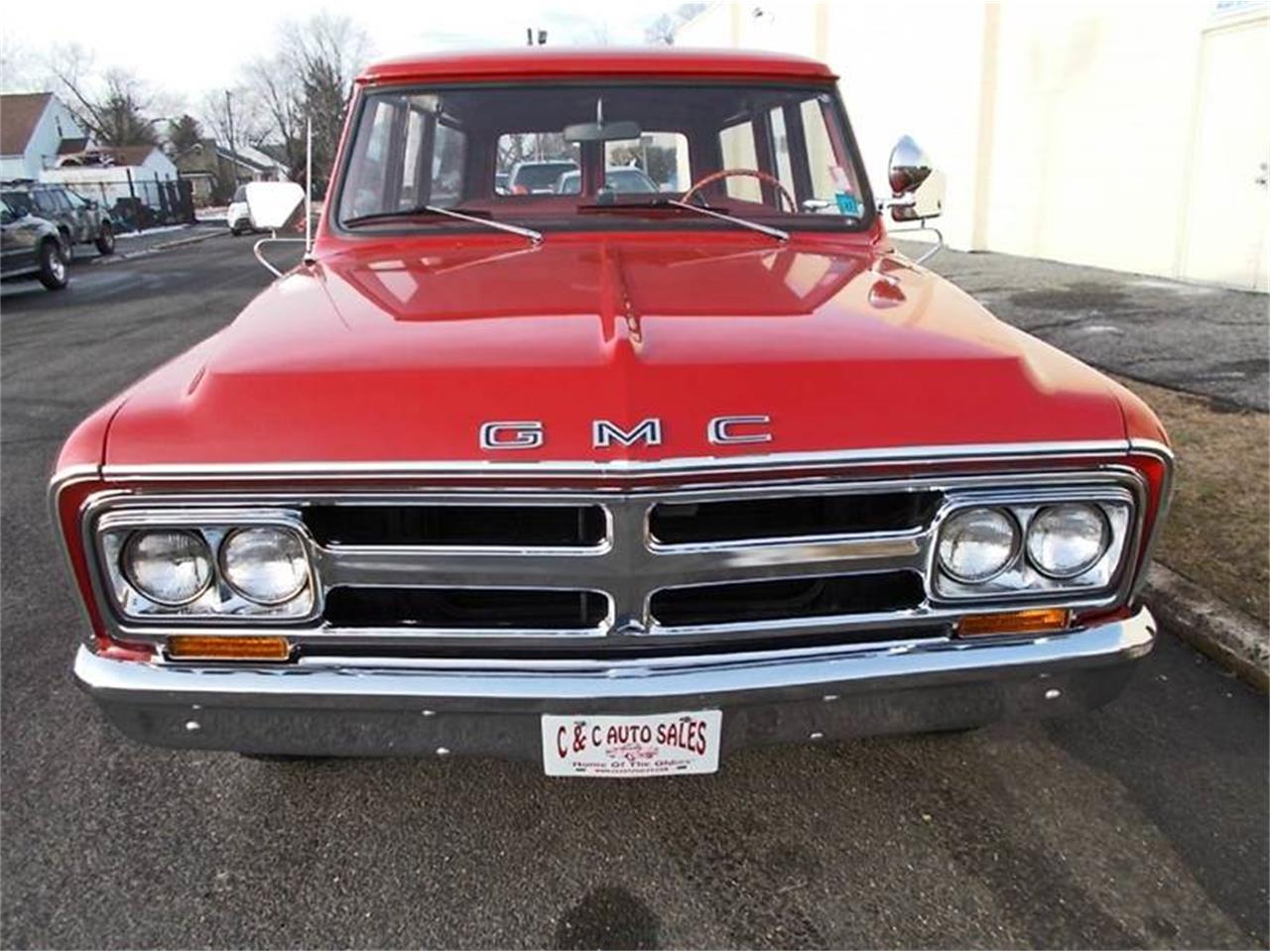 Large Picture of 1968 GMC Suburban - $19,900.00 - MLLH
