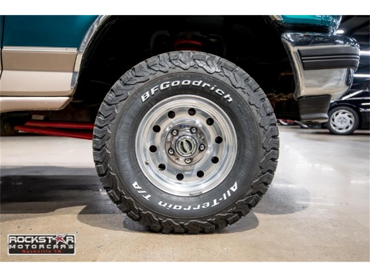 Large Picture of '96 Ford Bronco located in Tennessee - $12,980.00 - MN1Y