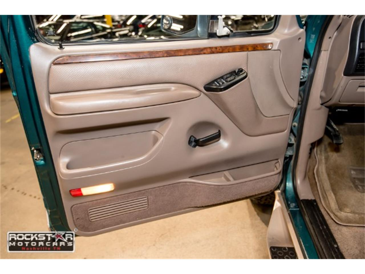 Large Picture of 1996 Ford Bronco - MN1Y