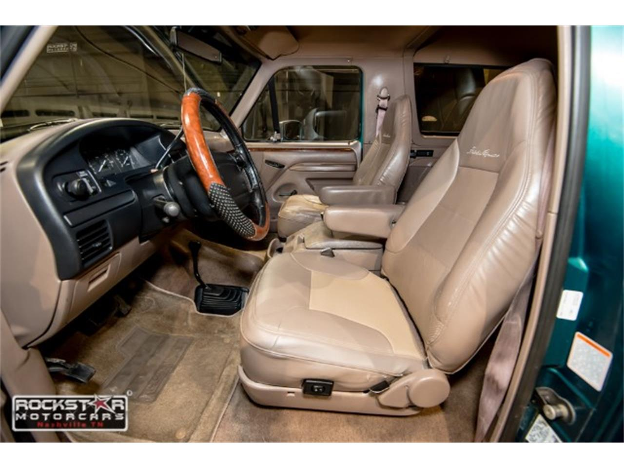 Large Picture of '96 Ford Bronco located in Nashville Tennessee - $12,980.00 - MN1Y