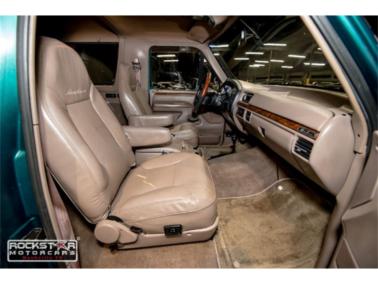 Large Picture of 1996 Ford Bronco located in Nashville Tennessee - MN1Y