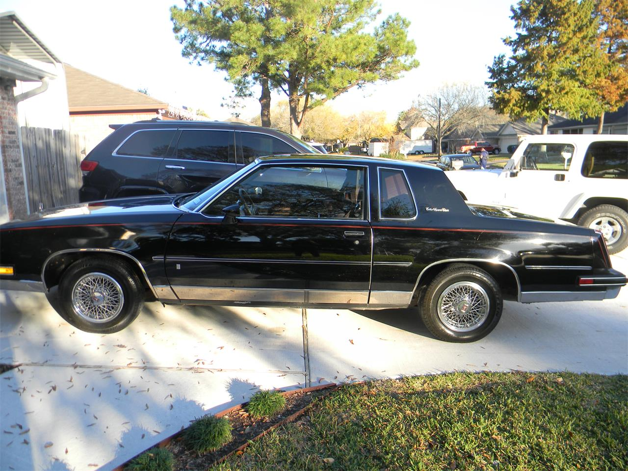 Large Picture Of 88 Cutlass Supreme Brougham Located In Dickinson Texas