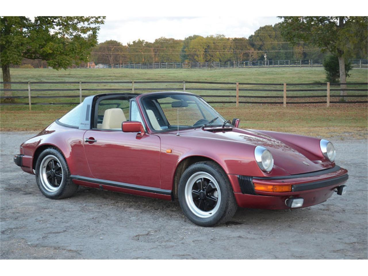 Large Picture of 1983 911SC located in Lebanon Tennessee - MNDQ