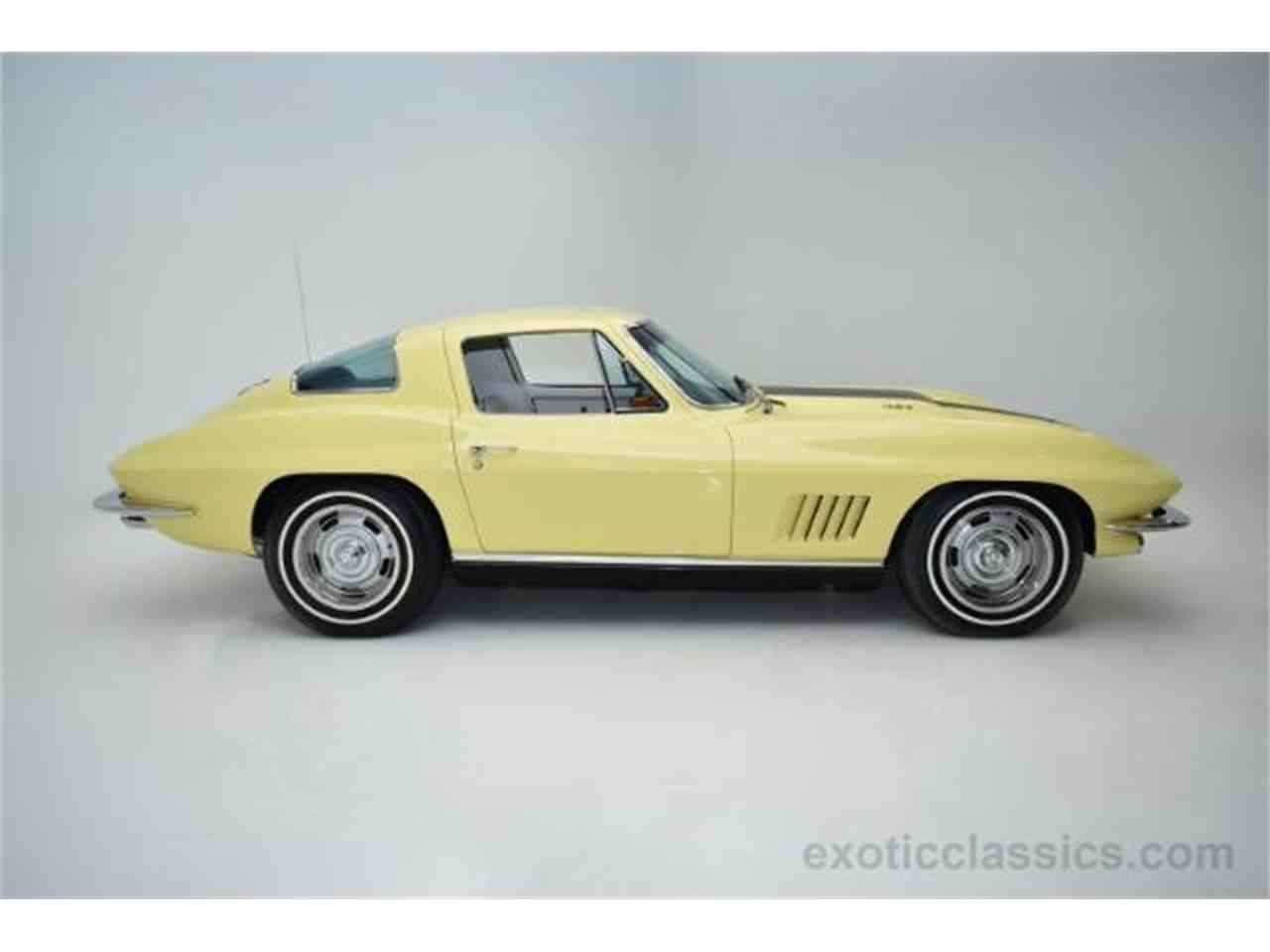 Large Picture of 1967 Corvette - MNH0