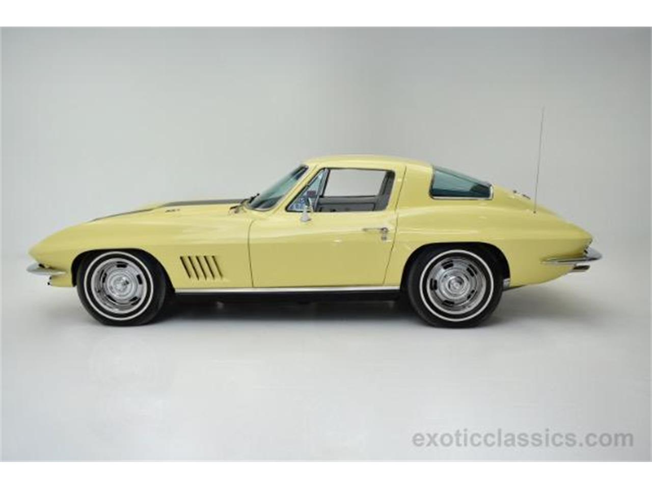 Large Picture of Classic '67 Corvette - MNH0