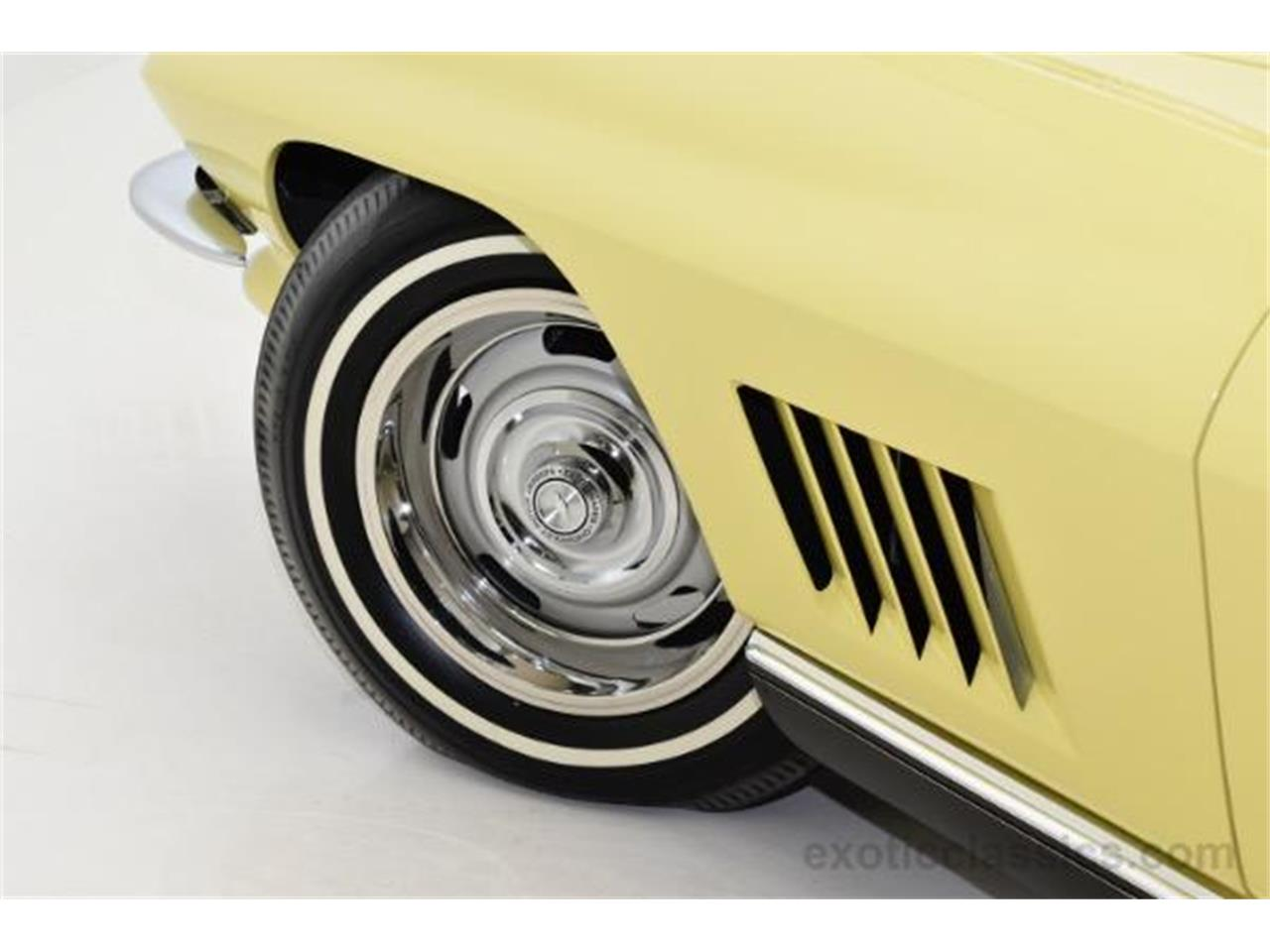 Large Picture of Classic 1967 Chevrolet Corvette located in Syosset New York Offered by Champion Motors - MNH0