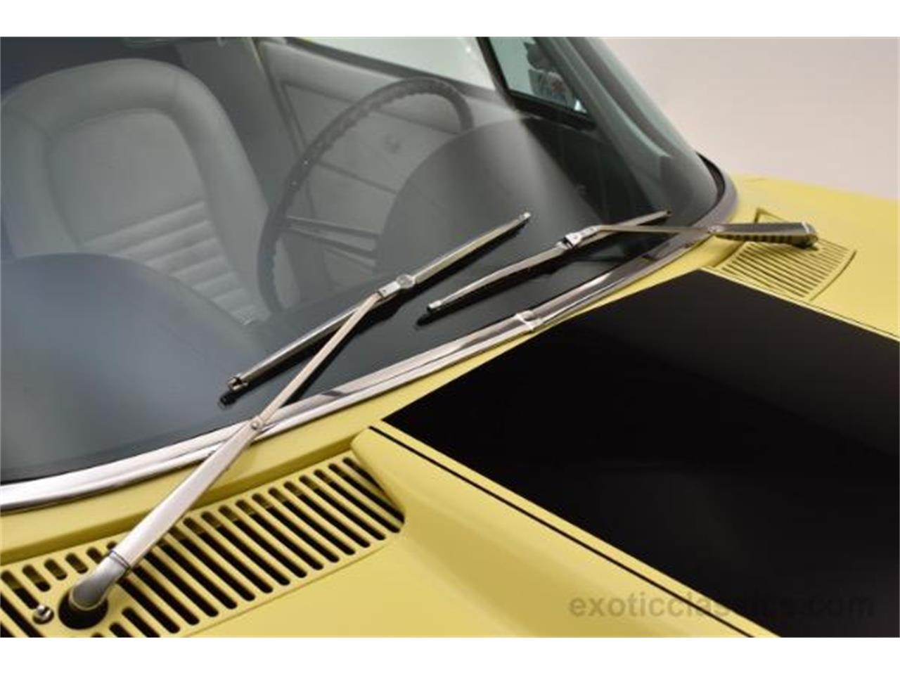 Large Picture of Classic '67 Chevrolet Corvette located in Syosset New York - $239,900.00 Offered by Champion Motors - MNH0