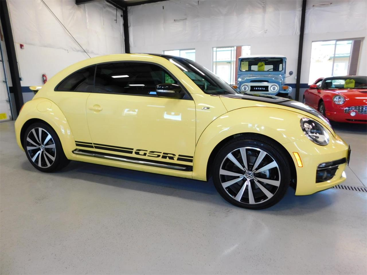 Large Picture of '14 Volkswagen Beetle - MNZK