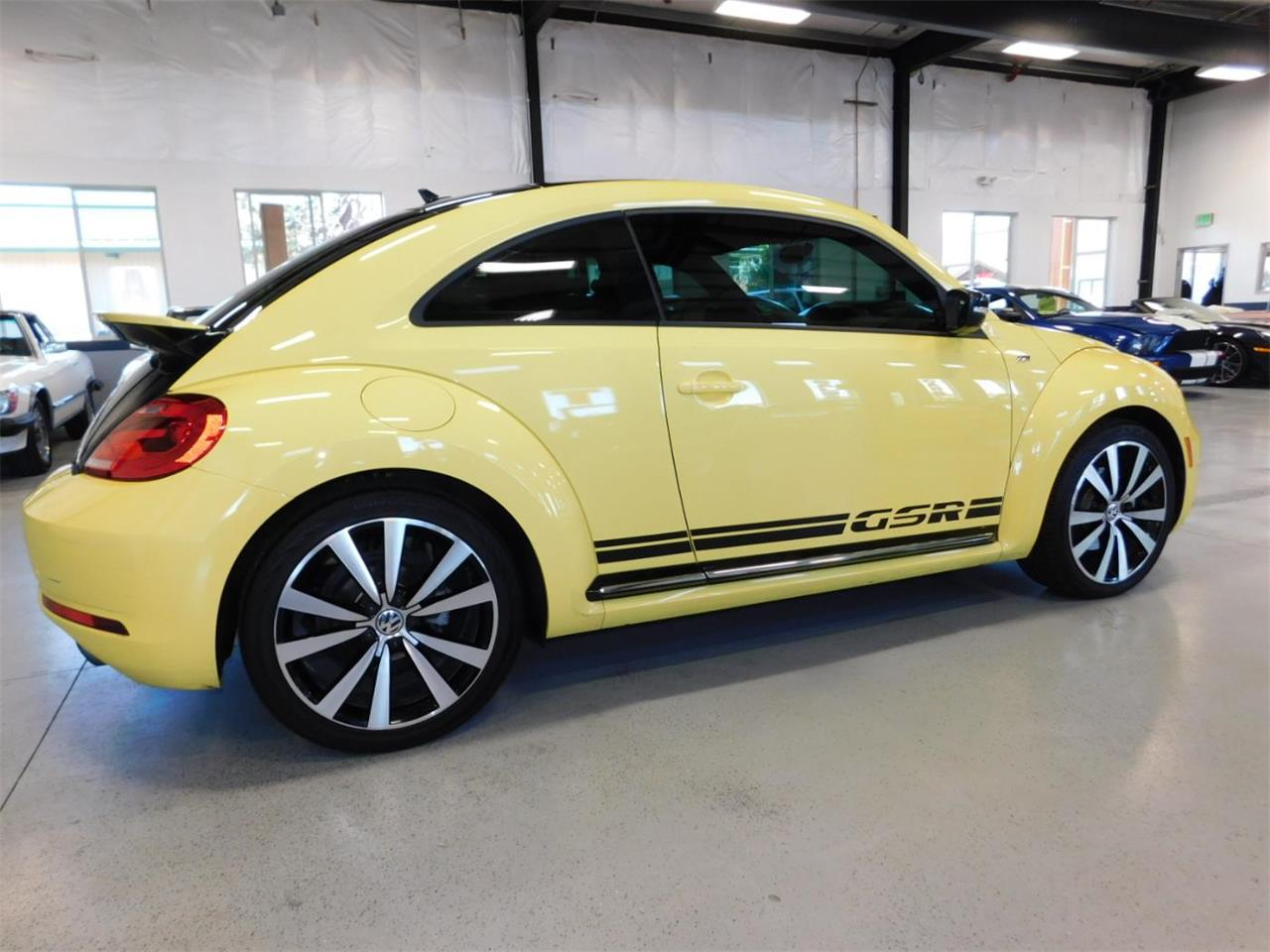 Large Picture of '14 Volkswagen Beetle located in Bend Oregon Offered by Bend Park And Sell - MNZK