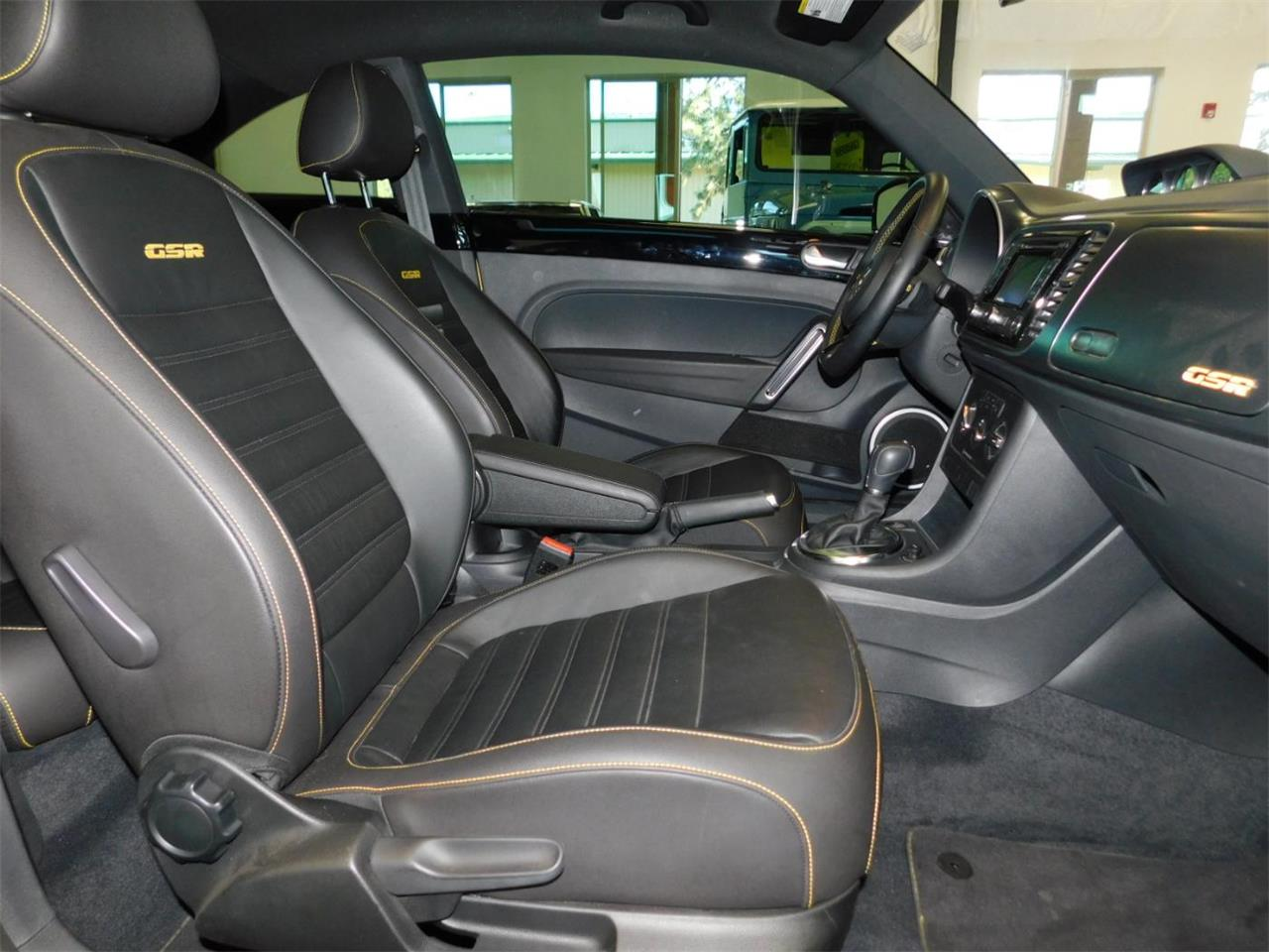 Large Picture of '14 Volkswagen Beetle Offered by Bend Park And Sell - MNZK