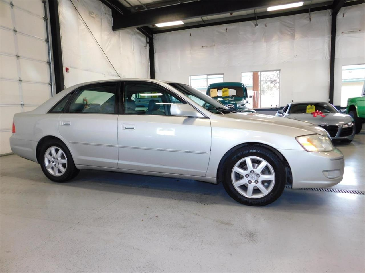 Large Picture of '02 Avalon - MO09