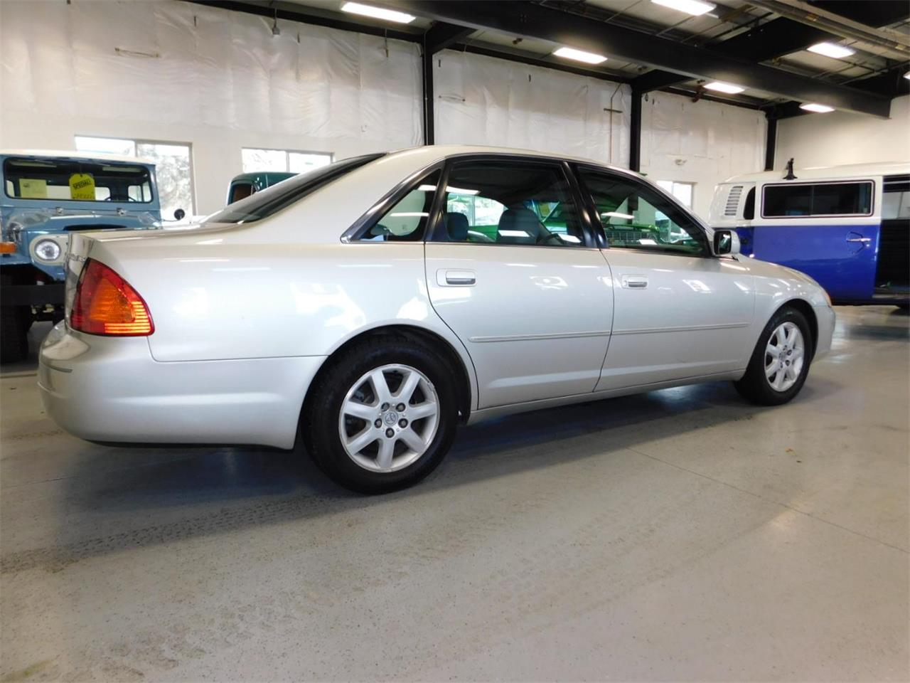 Large Picture of 2002 Toyota Avalon located in Bend Oregon - $4,995.00 - MO09
