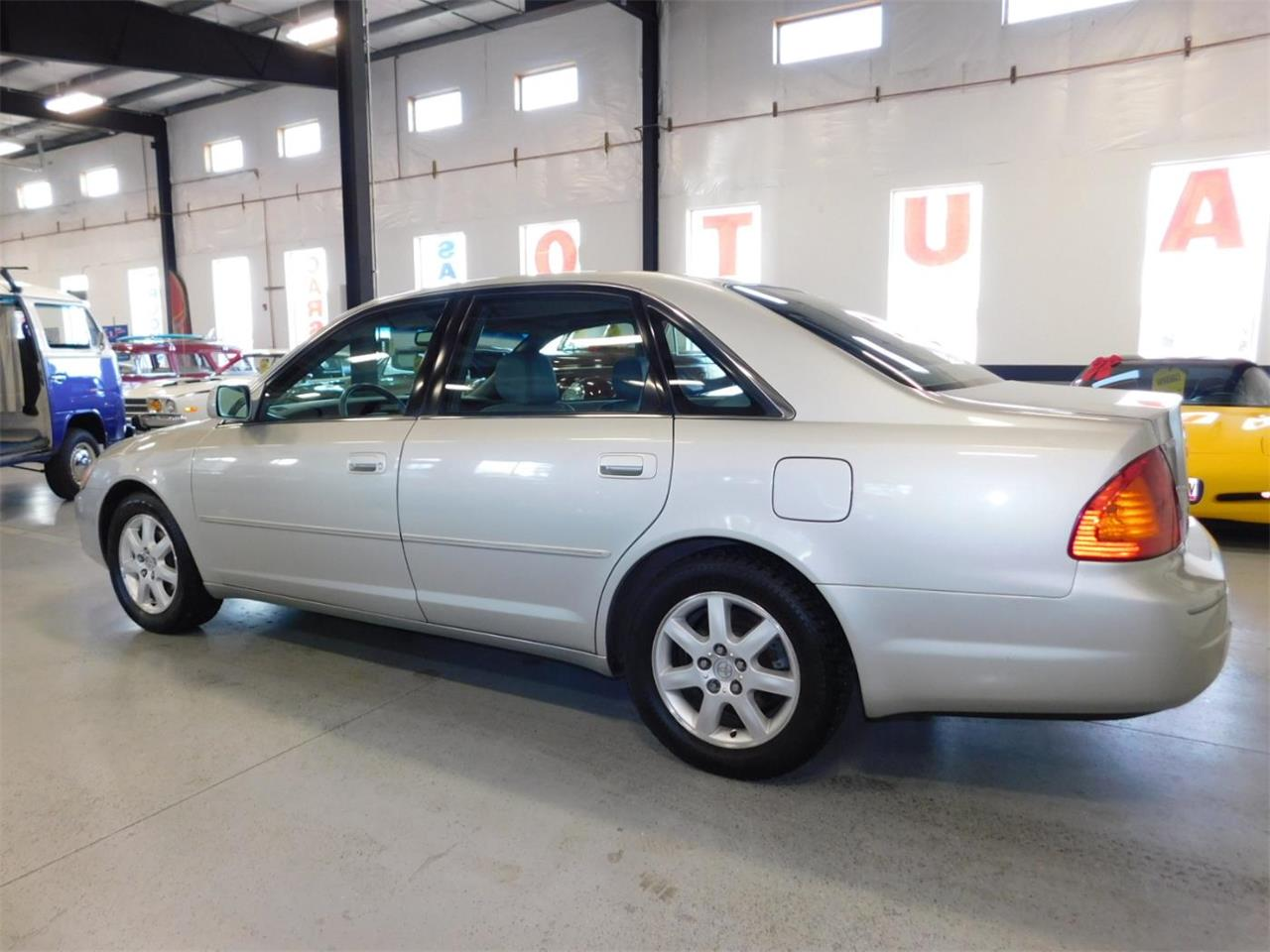 Large Picture of '02 Toyota Avalon located in Bend Oregon - $4,995.00 - MO09
