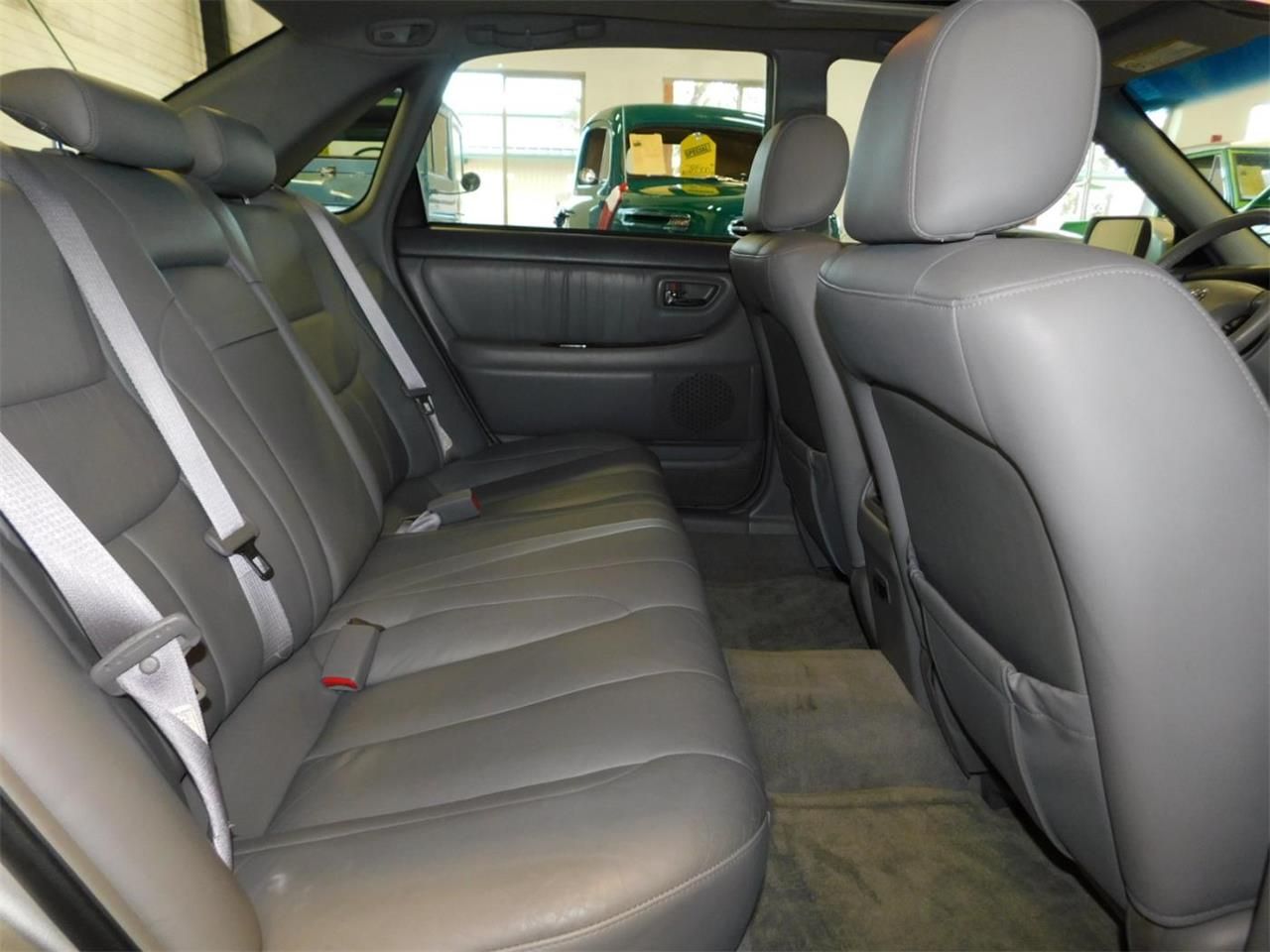 Large Picture of 2002 Toyota Avalon located in Oregon - $4,995.00 Offered by Bend Park And Sell - MO09