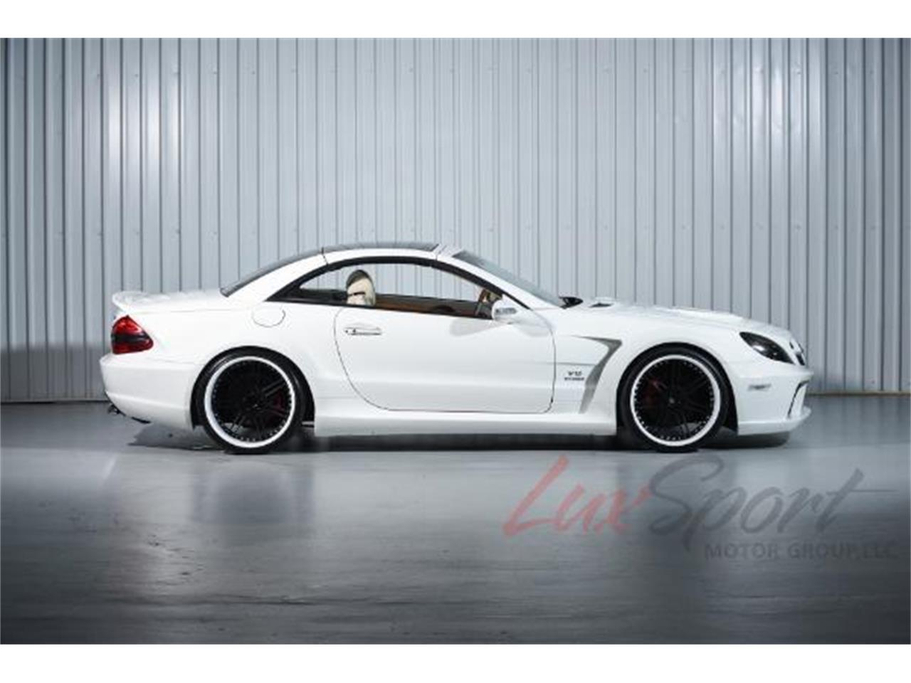 Large Picture of '03 Mercedes-Benz SL500 located in New Hyde Park New York - $39,995.00 - MO0A