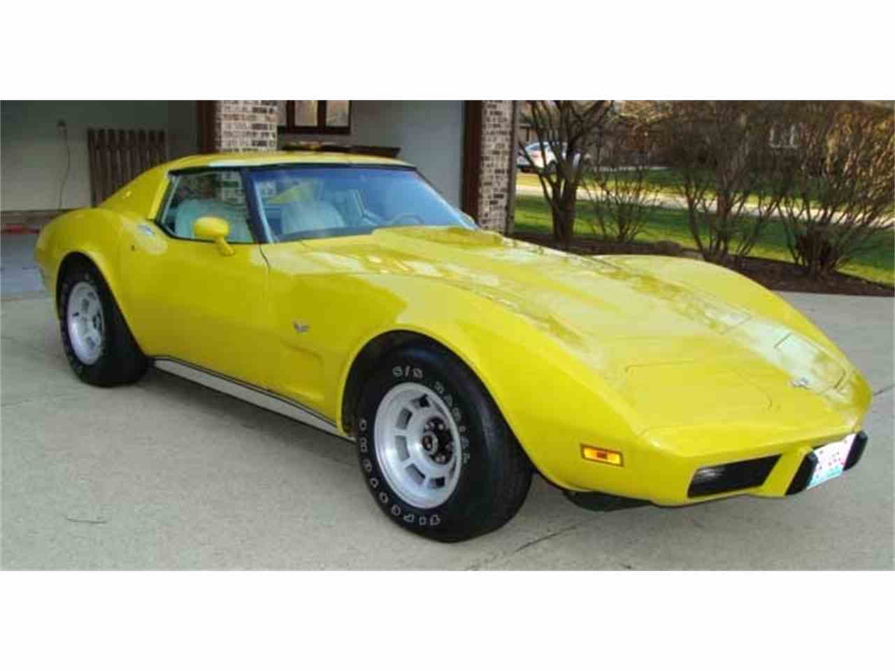 Large Picture of '77 Corvette - MO10