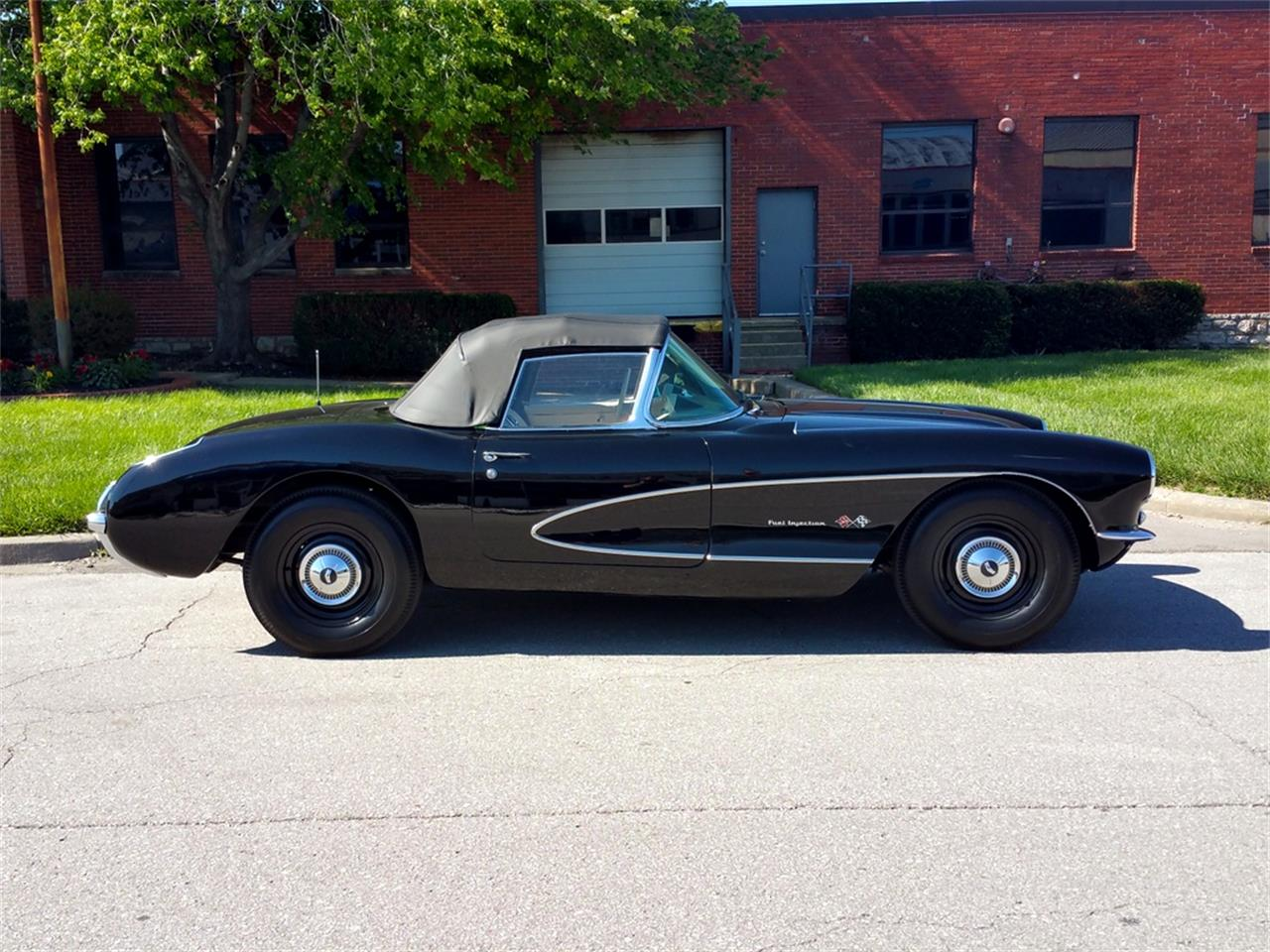 Large Picture of '57 Chevrolet Corvette located in N. Kansas City Missouri - $107,500.00 Offered by Vintage Vettes, LLC - MO1R