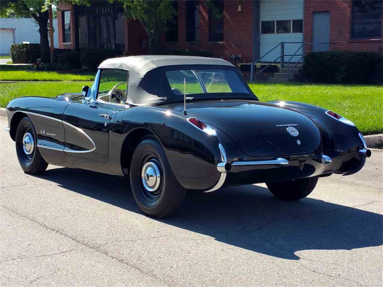 Large Picture of '57 Corvette - MO1R