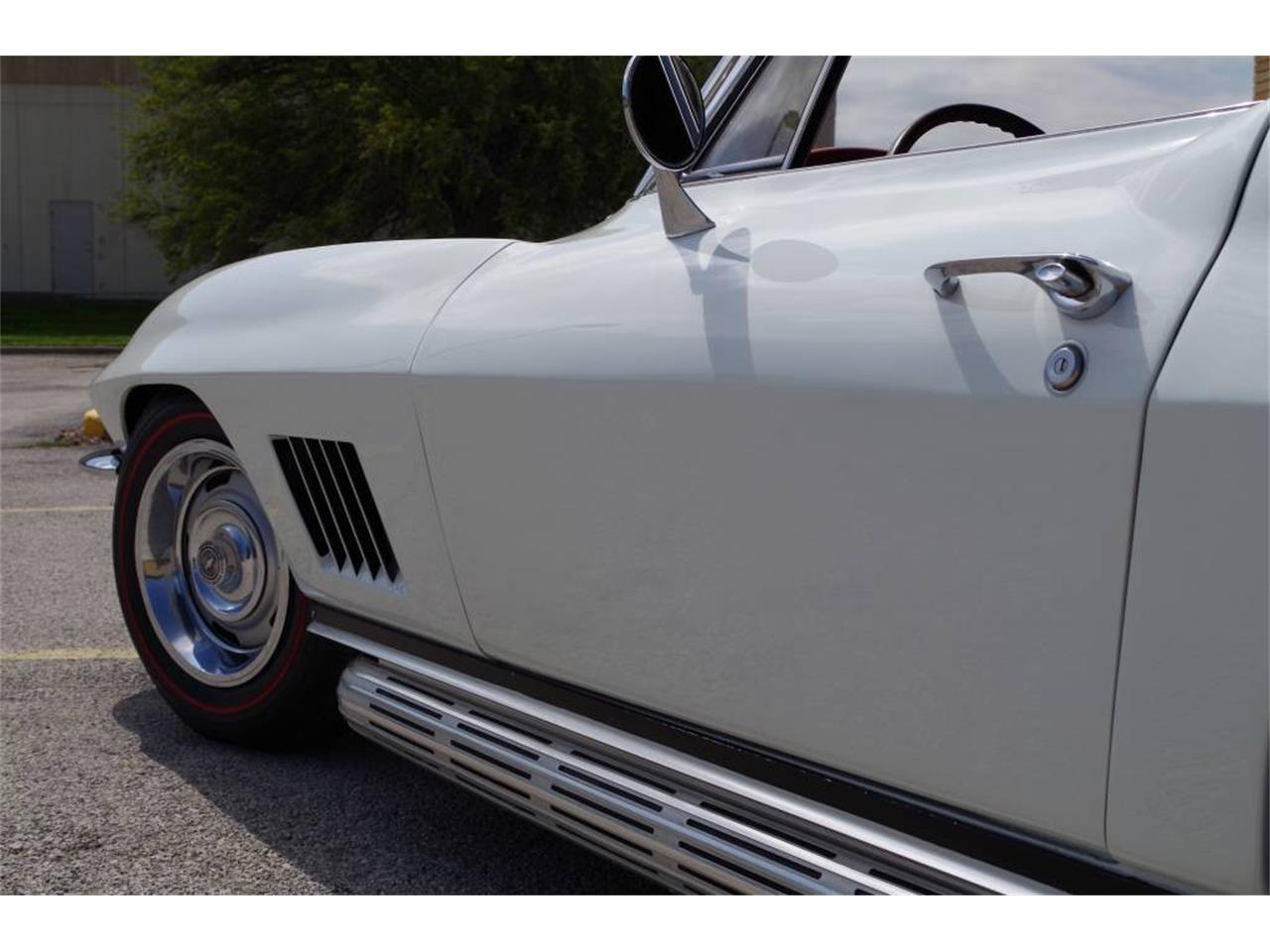 Large Picture of 1967 Corvette - MO1U