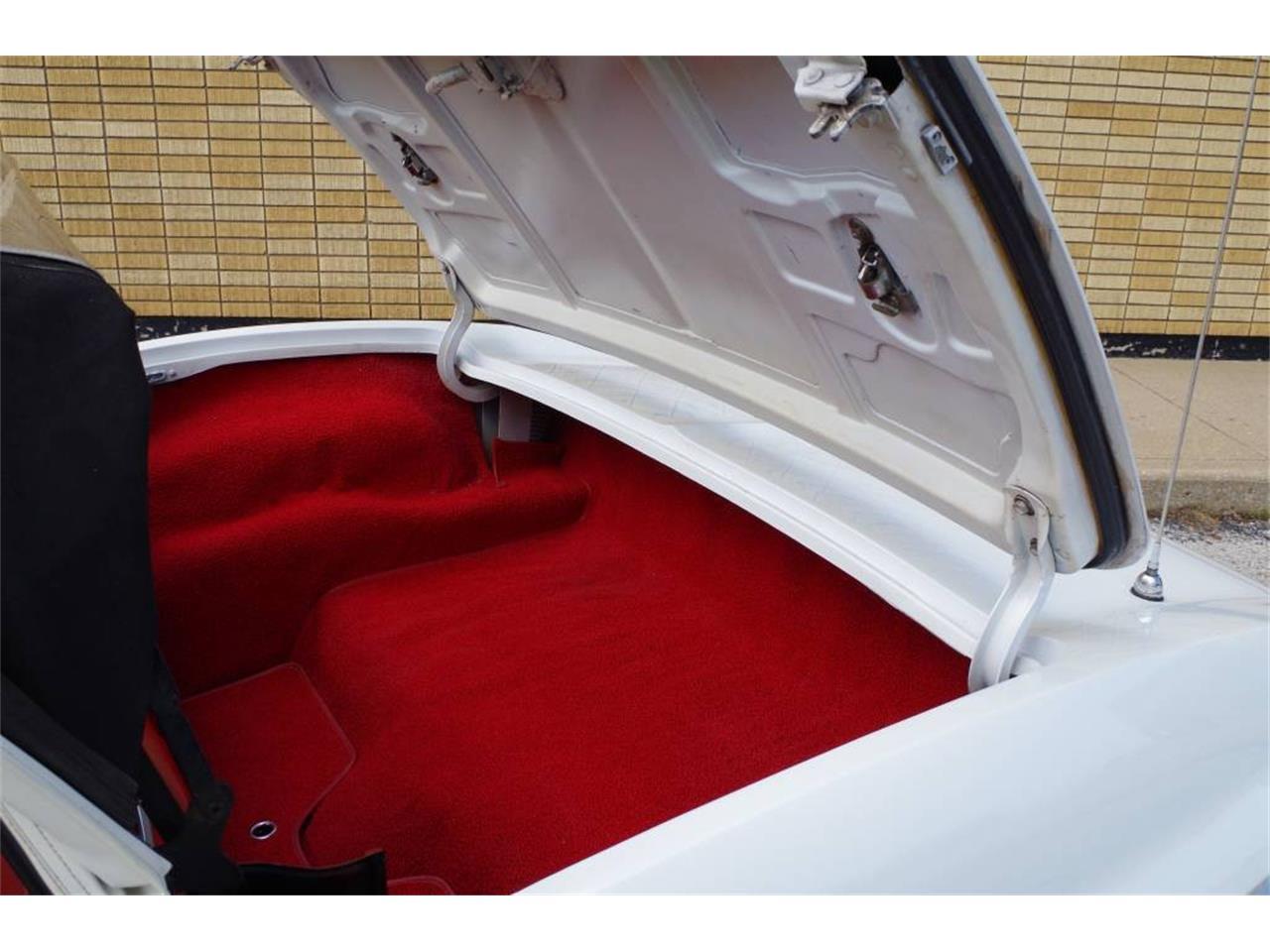 Large Picture of 1967 Corvette located in N. Kansas City Missouri - MO1U