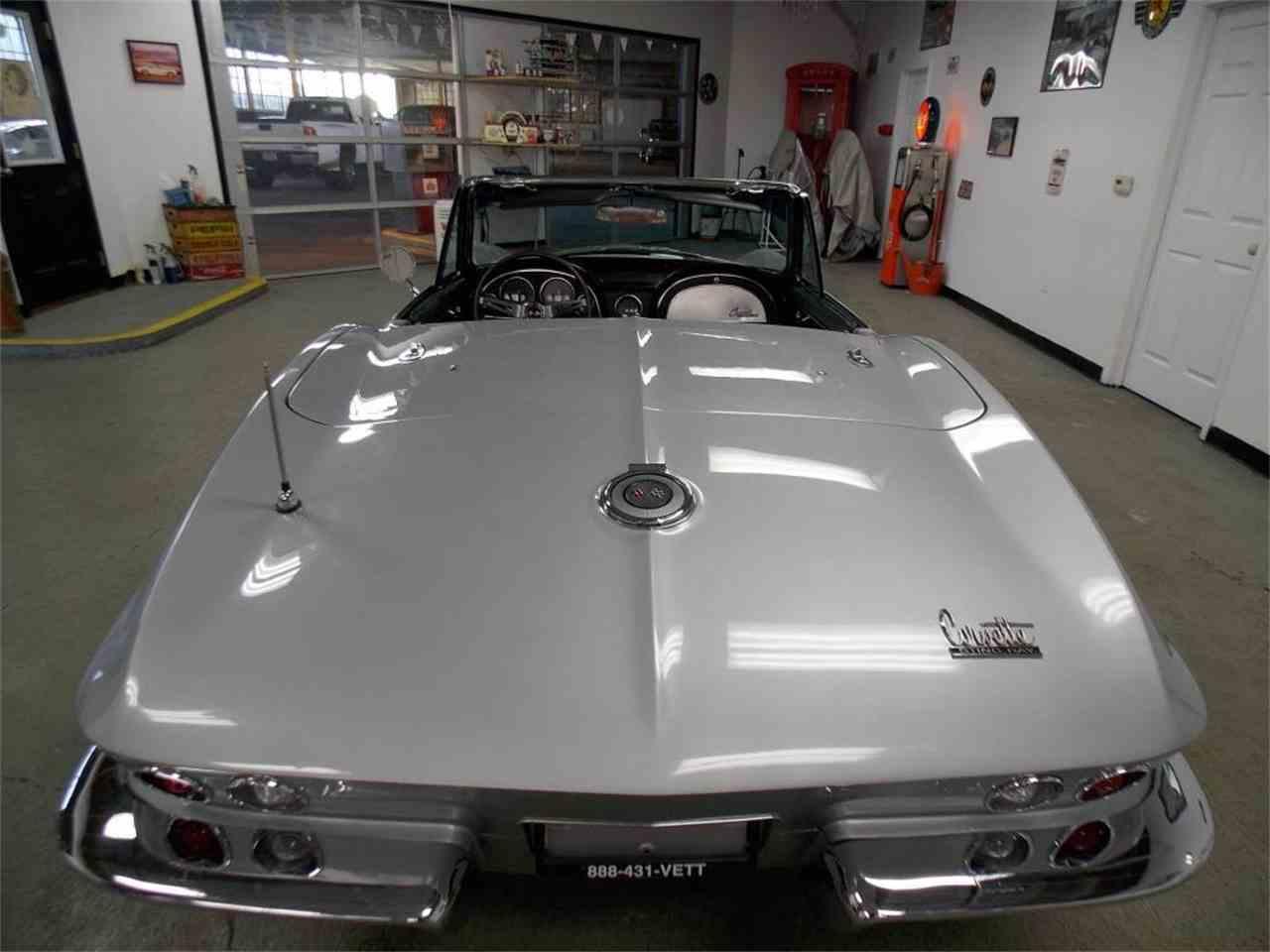 Large Picture of '66 Corvette - MO1W