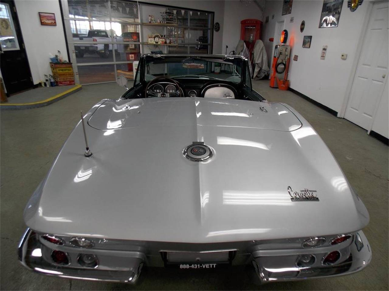 Large Picture of '66 Corvette - MO1W