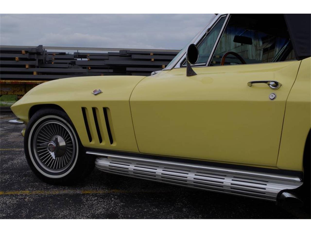 Large Picture of Classic '66 Chevrolet Corvette - MO1Z