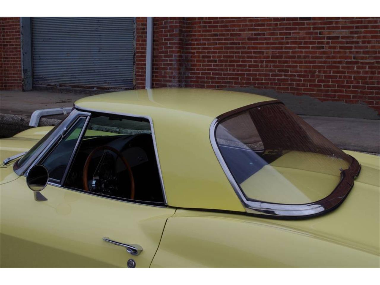 Large Picture of '66 Corvette located in N. Kansas City Missouri - MO1Z