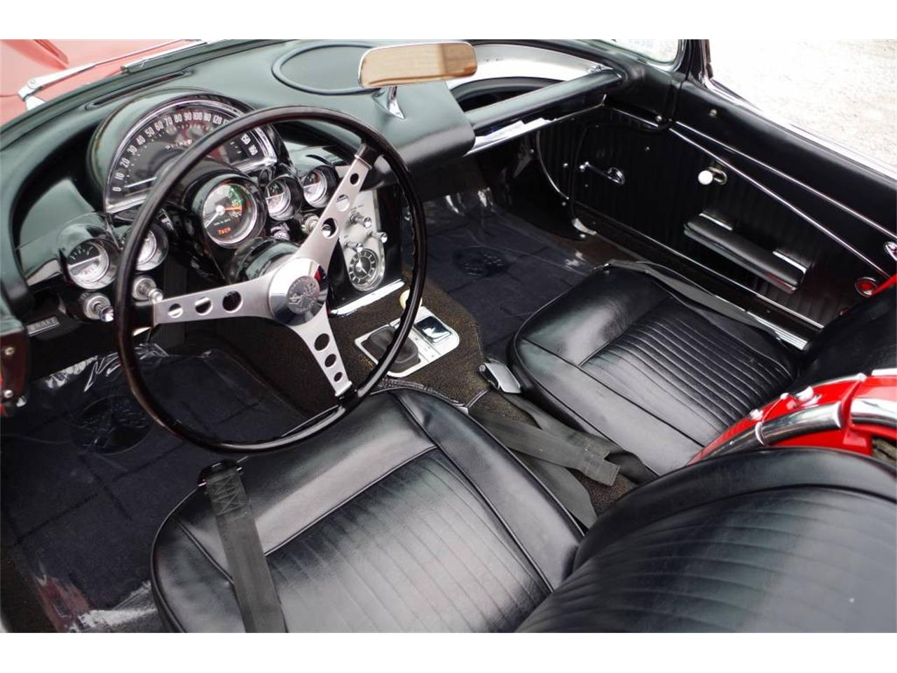 Large Picture of '62 Corvette - MO20