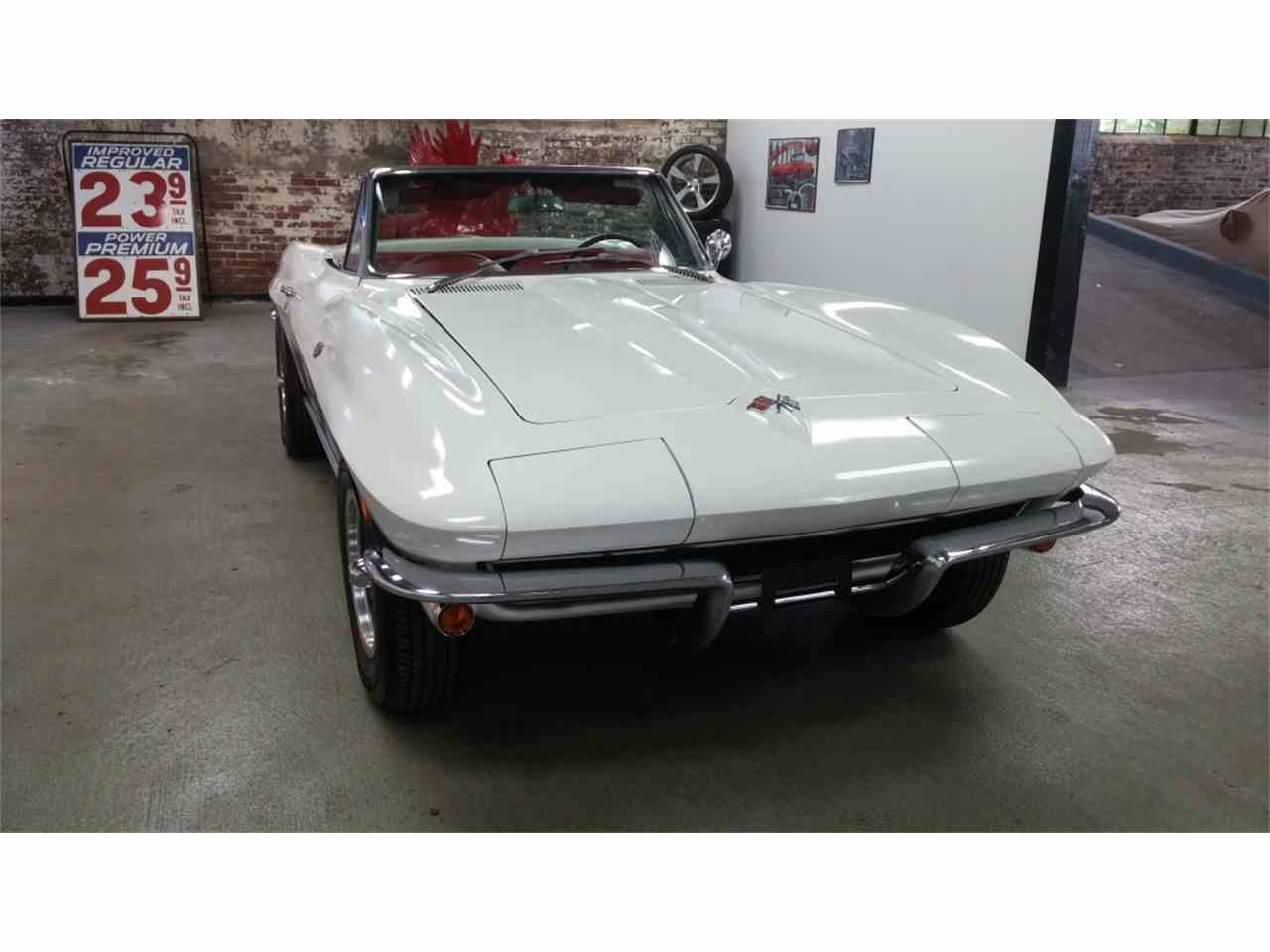 Large Picture of '65 Corvette - MO23