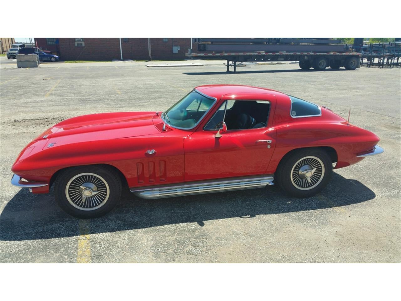 Large Picture of '66 Corvette located in Missouri - MO25