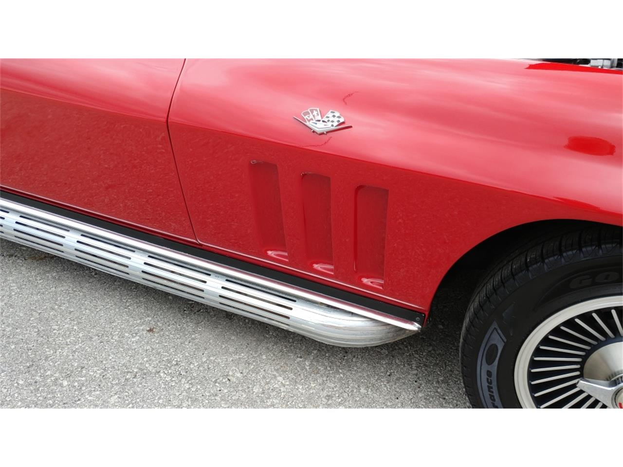 Large Picture of Classic 1966 Chevrolet Corvette located in N. Kansas City Missouri - MO25